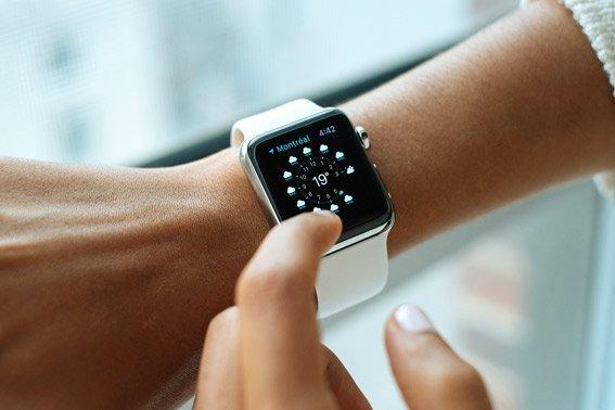 Cambia la hora del reloj antes de volar domir vuelos de larga distancia