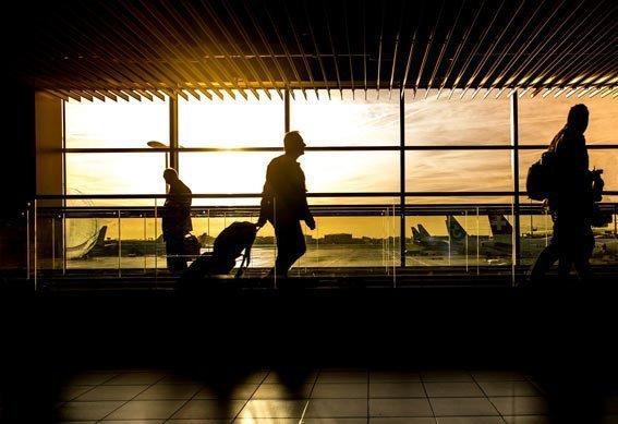 Reserva un vuelo nocturno dormir vuelos de larga distancia